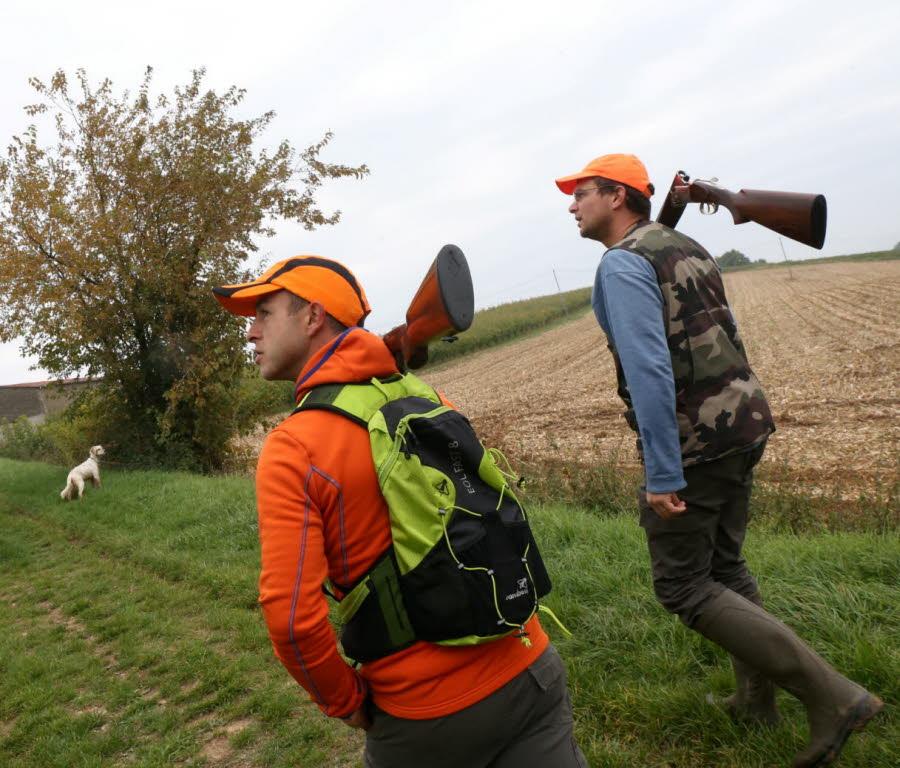 planter-des-haies-entretenir-des-chemins-c-est-aussi-ca-le-quotidien-des-chasseurs-1445249293